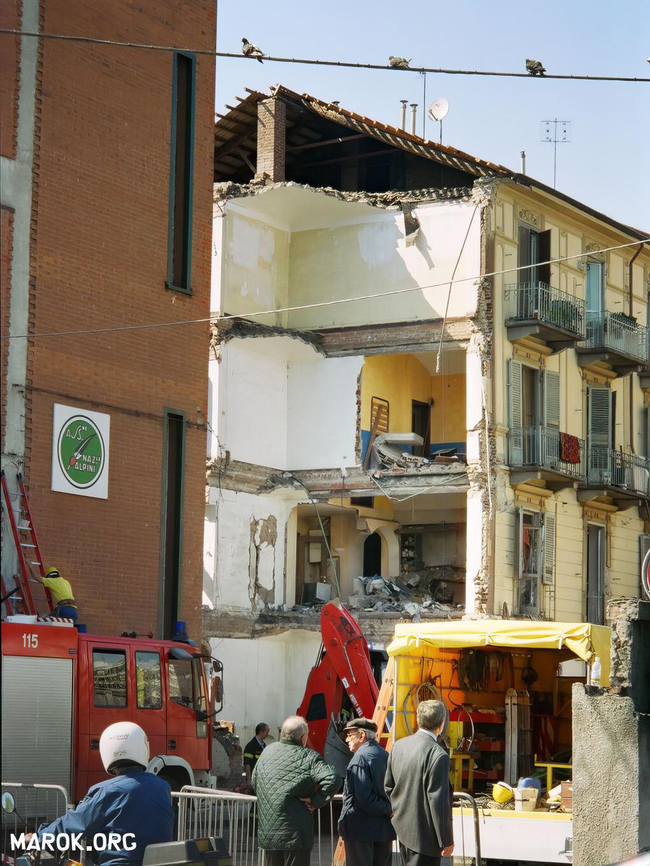 4 anni dopo l 39 alluvione di torino fuga di gas 20 4 for Immagini di casa di 2000 piedi quadrati