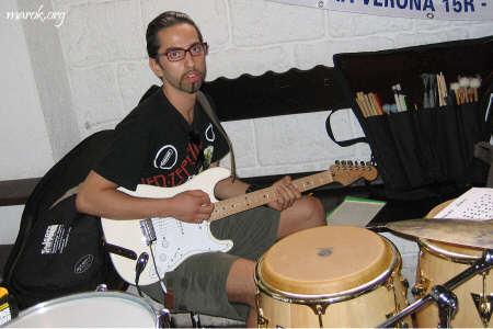 Suono la batteria con la chitarra!