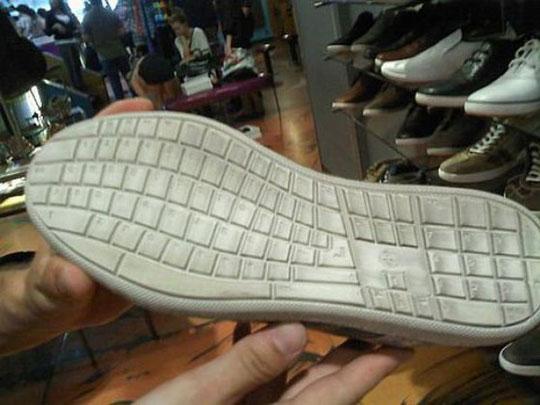 Keyboard sneaker tread